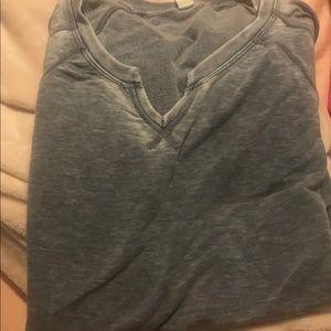 Tops - V neck zipper back T-shirt